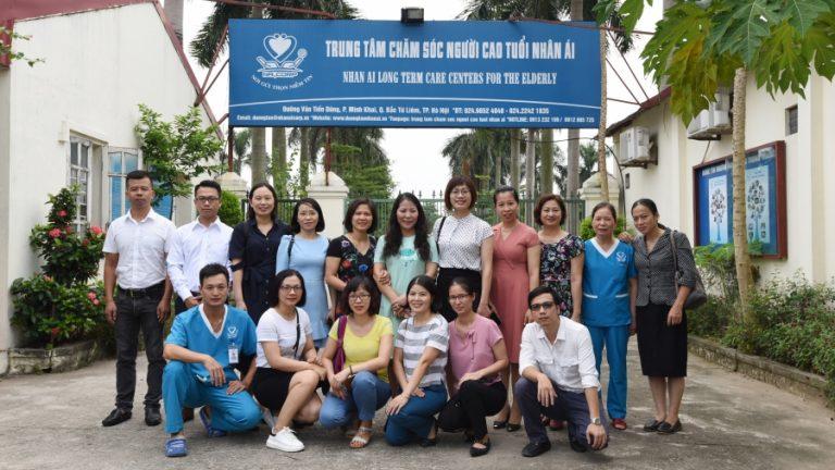 Tiếp đón đoàn cán bộ điều dưỡng của bệnh viện Lão khoa trung ương