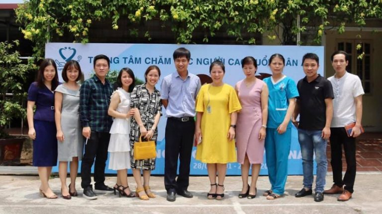 Welcoming the delegation of leaders and managers of Dien Hong Nursing Center