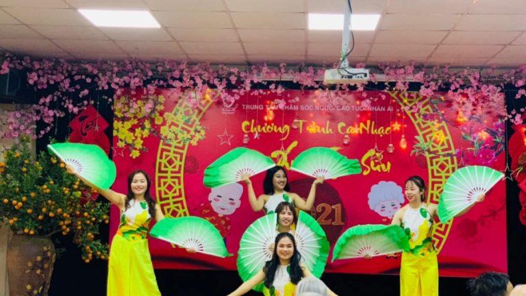 "Nhan Ai longterm care center for the Elderly organizes the music program ""Hello, New Spring"""